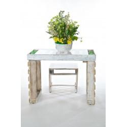 Set di tavolo e sgabelli