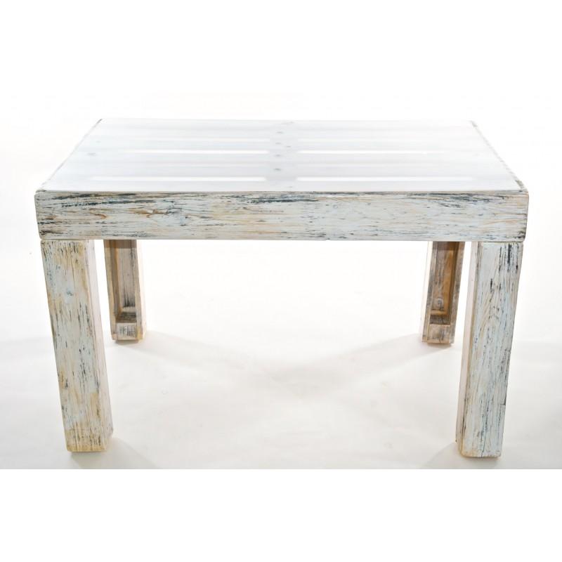 Tavolo in legno rigenerato in stile shabby chic
