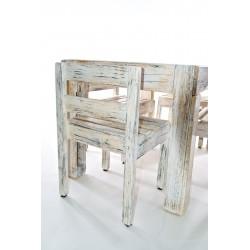 Isola composta da tavolo e quattro sedie in stile shabby chic