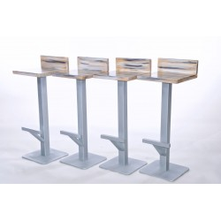 Set di 4 sgabelli in legno con piantana in ferro